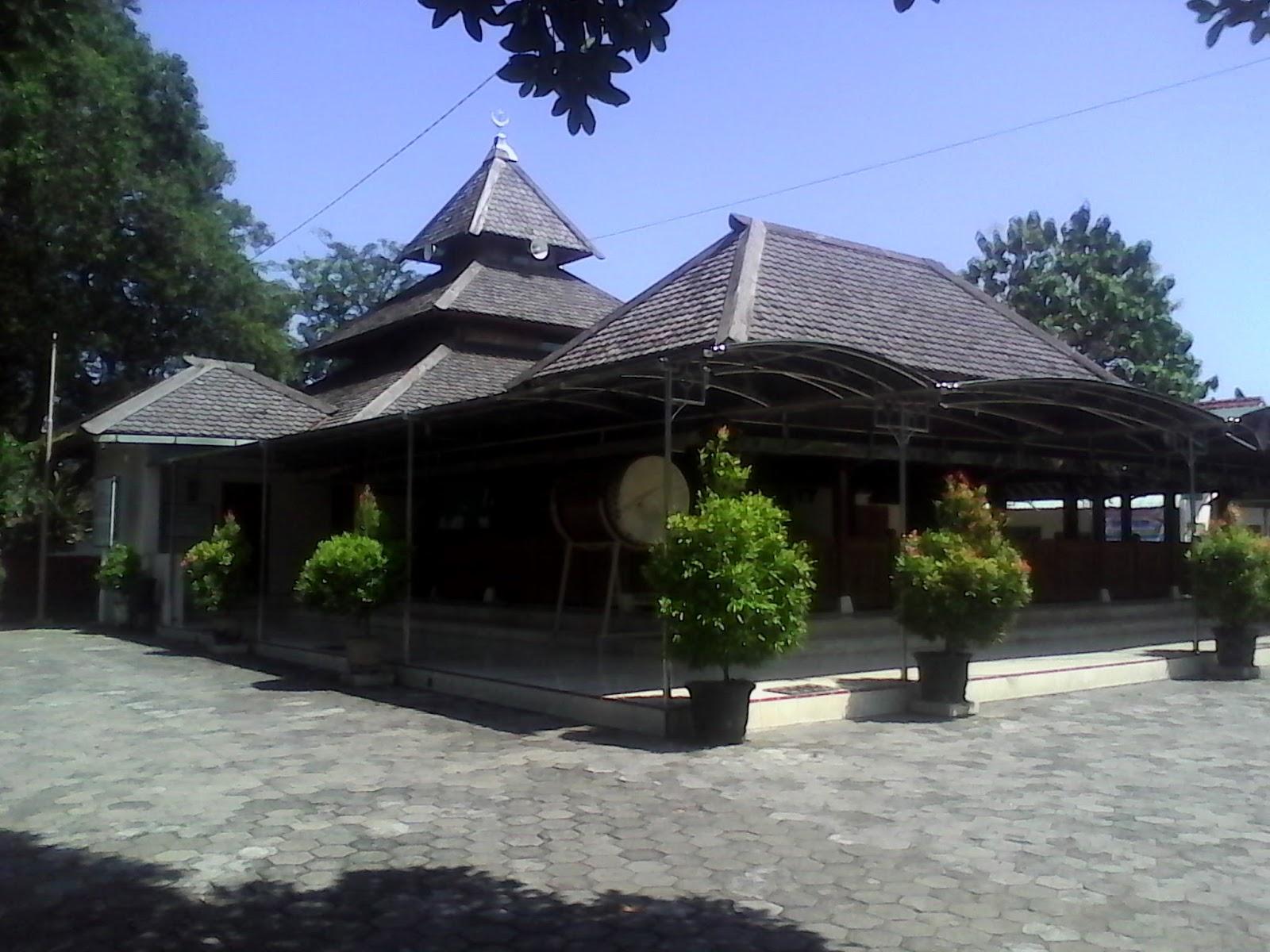 Masjid Kuno Taman Madiun