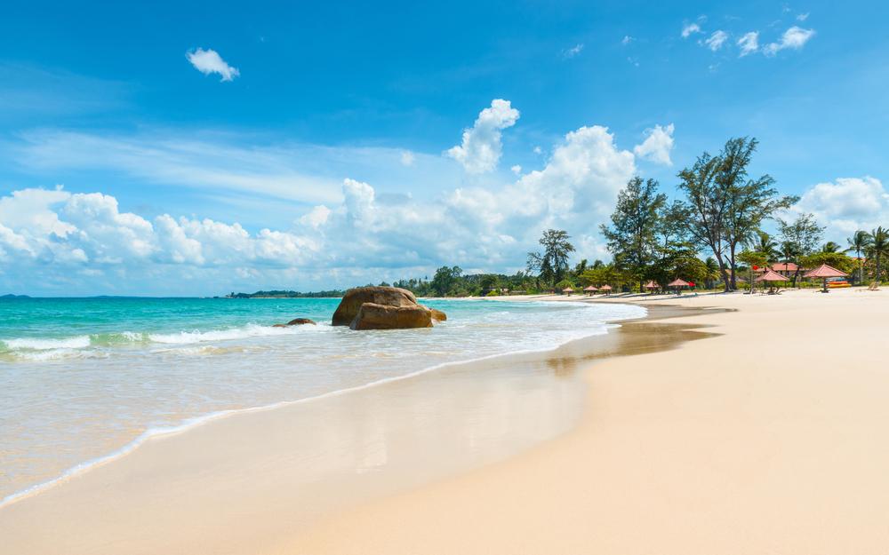 wisata pantai anyer sudah dibuka